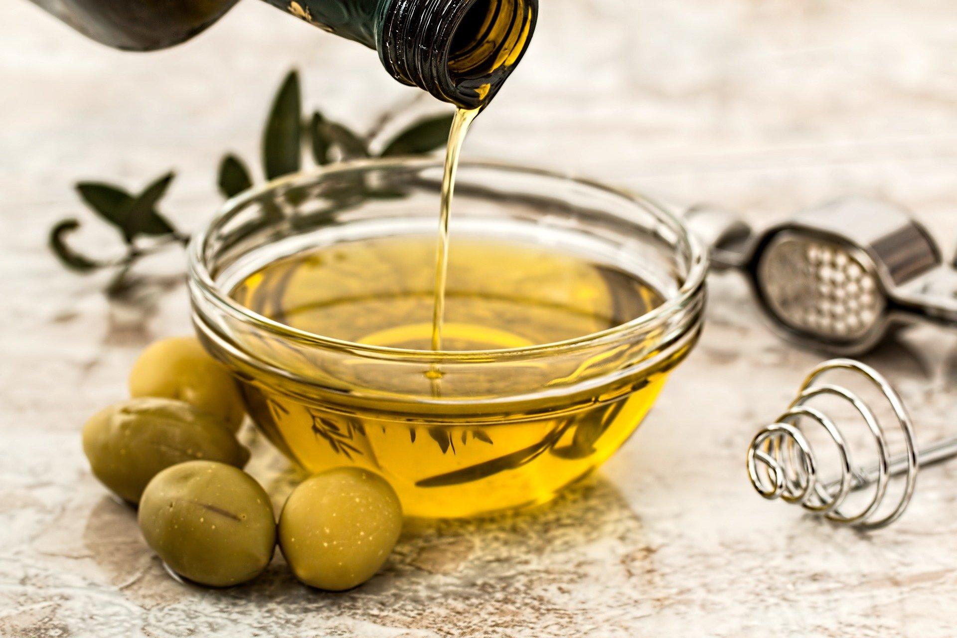 Huile d'olive naturelle et biologique cosmétique naturelle des Patachons